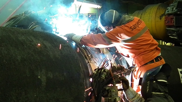 Welding pipes together